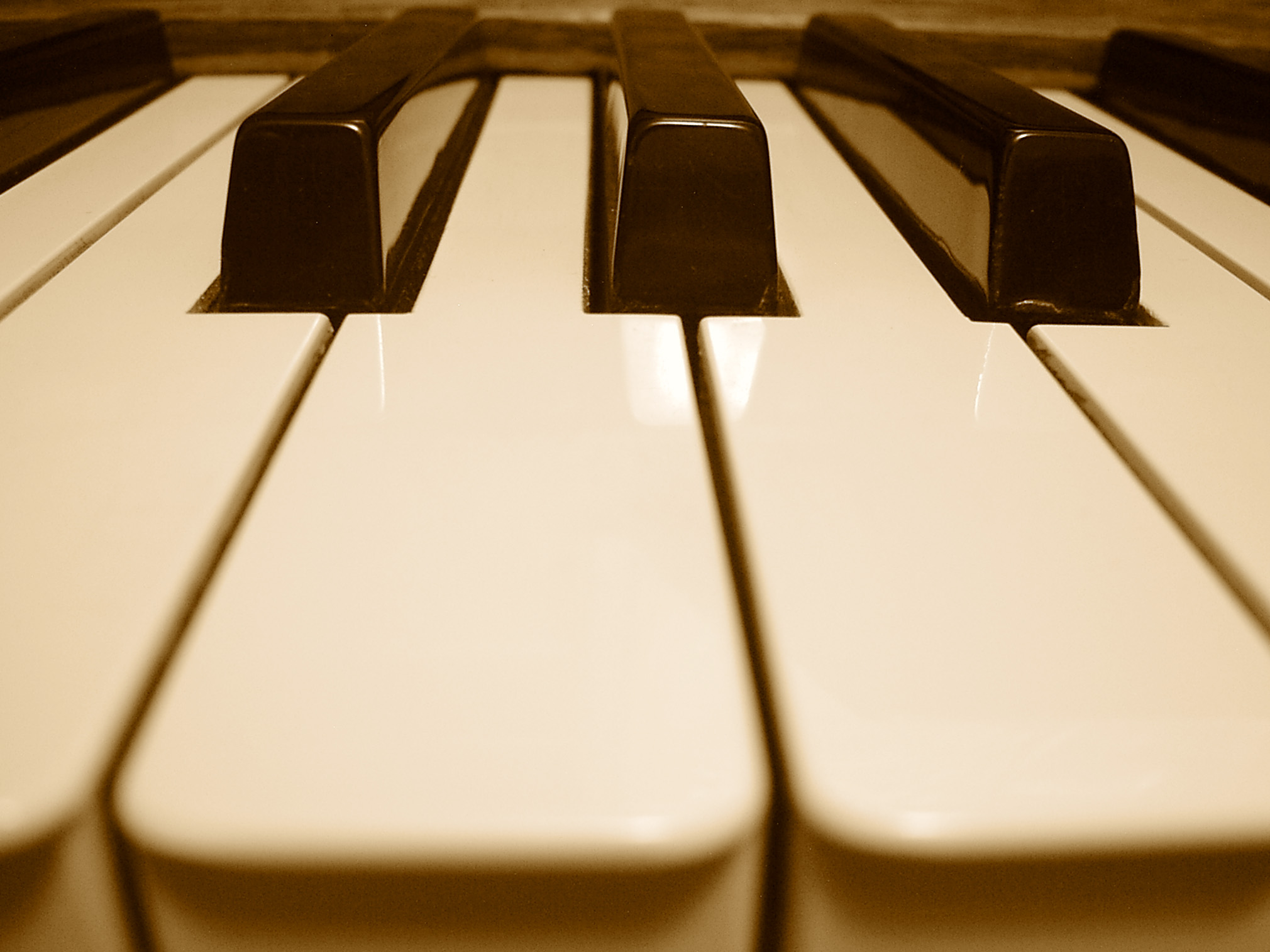 How To Improve Your Keyboard Playing in Worship